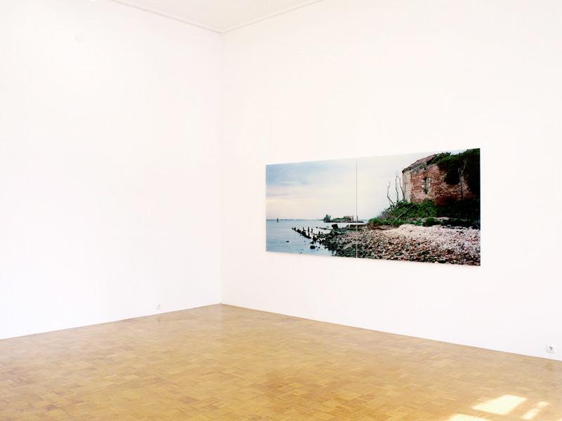 Primož Bizjak, Difesa di Venezia, exhibition view, Galerija Gregor Podnar, Ljubljana, 2012. Photo: Matija Pavlovec