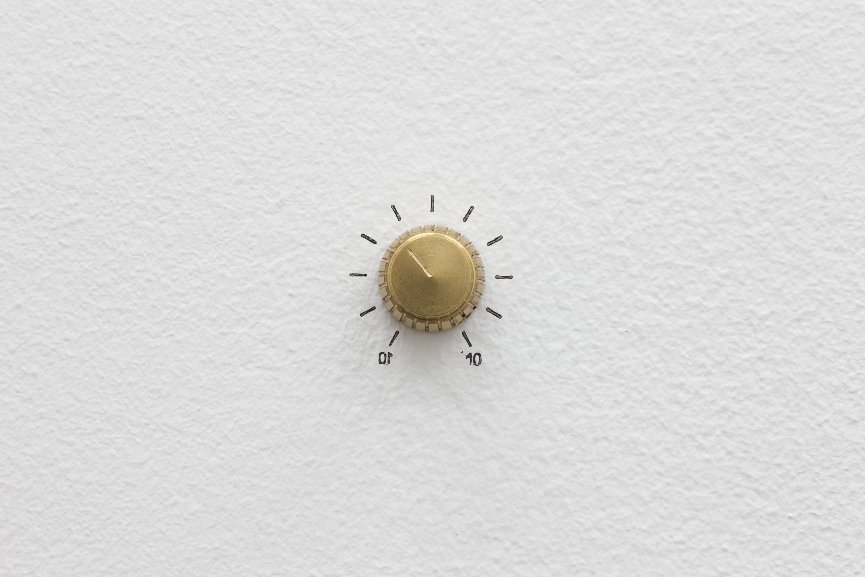 Loud, loud, brass, 2.5 x 4 cm, including stamp, 2014. Photo: Bruno Lopes