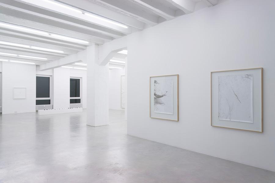 Emanuele Becheri: Impressioni, exhibition view, Galerija Gregor Podnar, Berlin, 2010. Photo: Marcus Schneider
