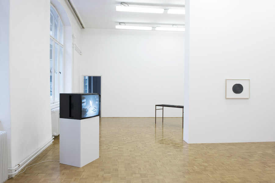 Ariel Schlesinger: Brake Shoe, exhibition view, Galerija Gregor Podnar, Ljubljana, 2011. Photo: Matija Pavlovec