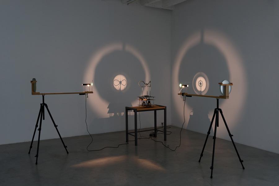 Attila Csörgő: Shapes in Transition, exhibition view, Galerija Gregor Podnar, Berlin, 2013. Photo: Marcus Schneider
