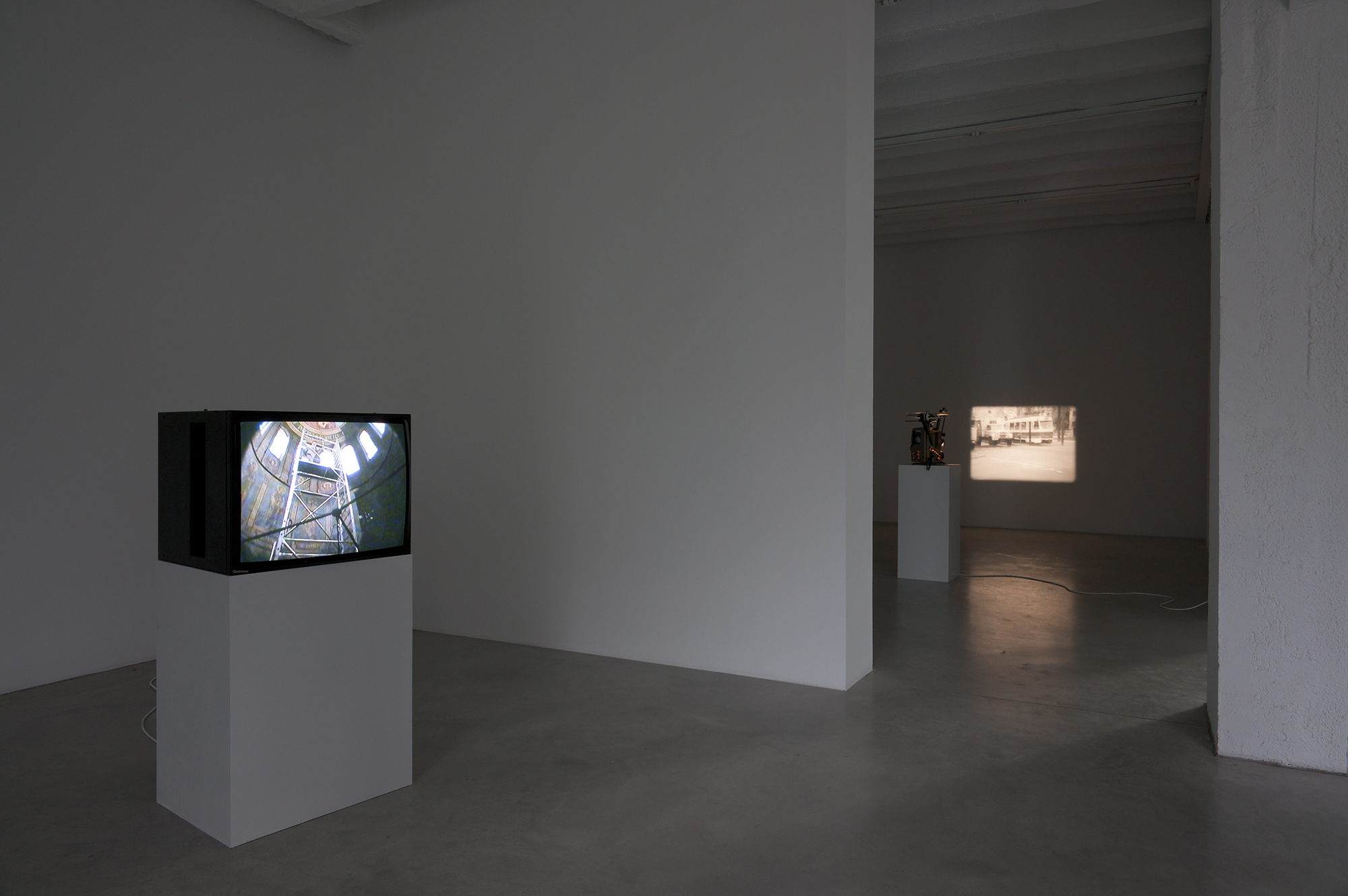 Exhibition view at Galerija Gregor Podnar, Berlin, 2010.