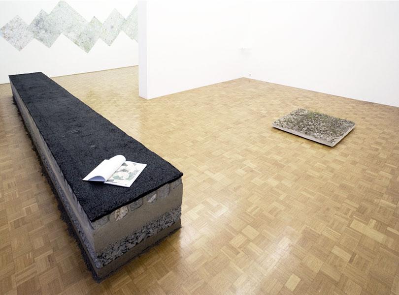 Ištvan Išt Huzjan: Vračanje k prvemu m², exhibition view, Galerija Gregor Podnar, Ljubljana, 2011