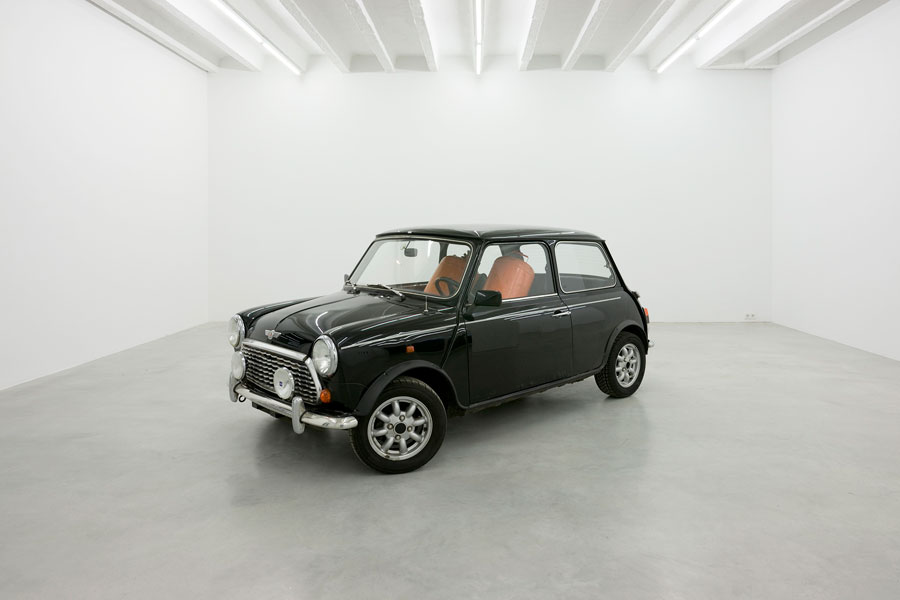 A Car full of Gas, Mini Cooper, two gas tanks, 340 x 140 x 135 cm, 2009