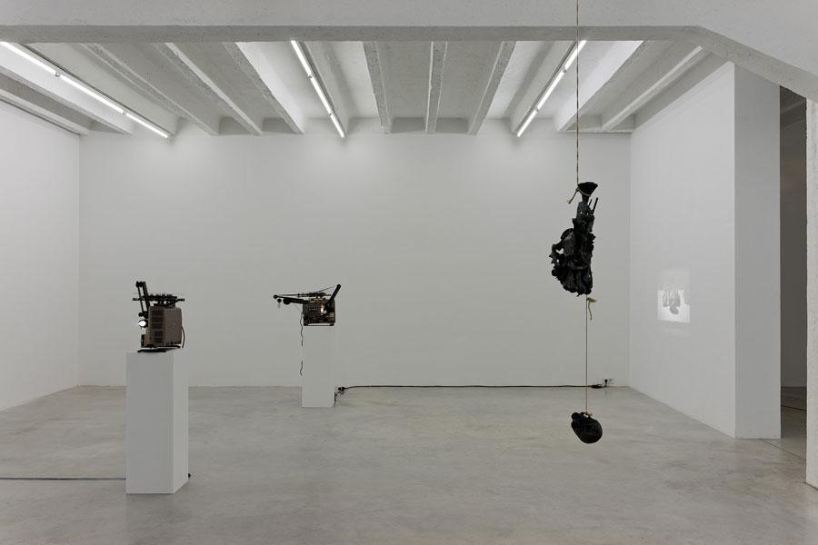 Francisco Tropa, exhibition view, Galerija Gregor Podnar, Berlin, 2013. Photo: Marcus Schneider