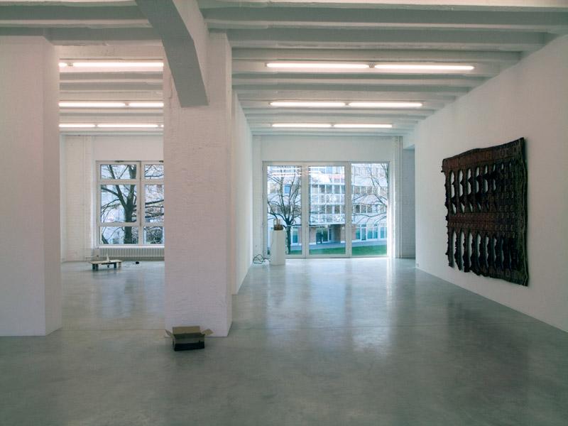 Ariel Schlesinger, exhibition view, Galerija Gregor Podnar, Berlin, 2008