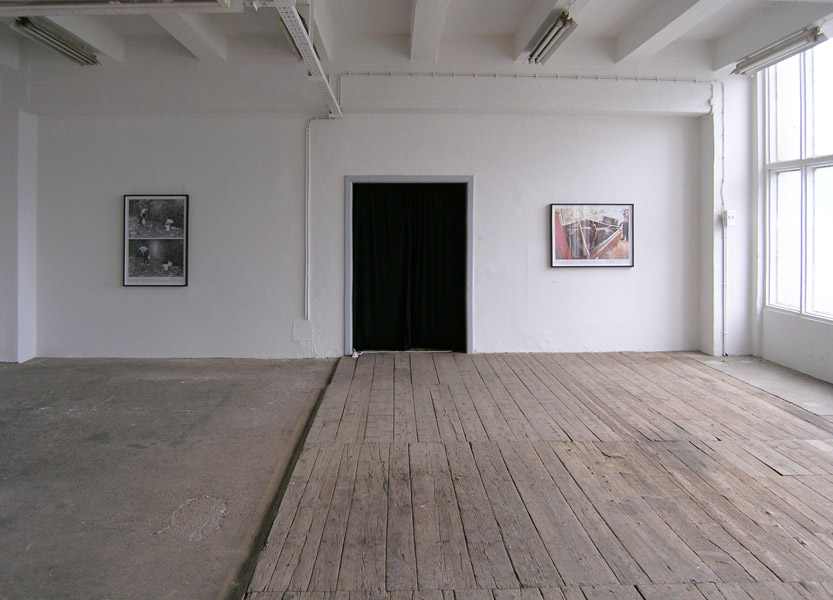 Miha Knific: > 2 <, exhibition view, Galerija Gregor Podnar, Kranj, 2004