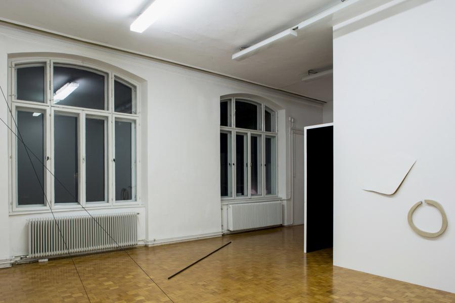 Floor: Sophie Giraux, Untitled, 2012. Tensions, exhibition view, Galerija Gregor Podnar, Ljubljana, 2014. Photo: Jaka Babnik