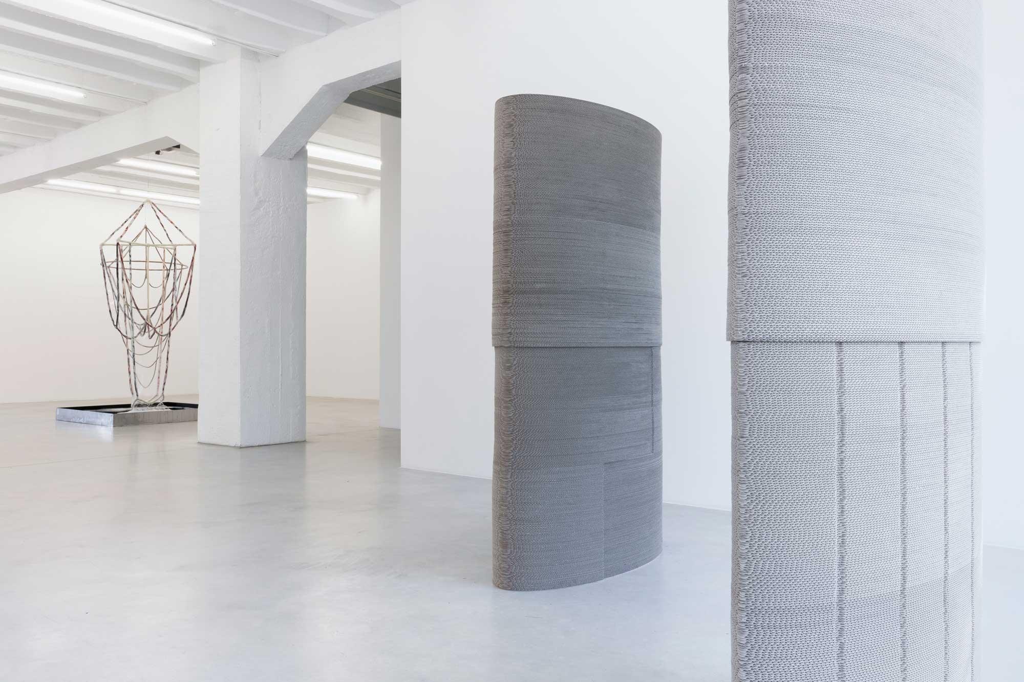 Tobias Putrih: Pale Guardians, exhibition view, Galerija Gregor Podnar, Berlin, 2015. Photo: Marcus Schneider