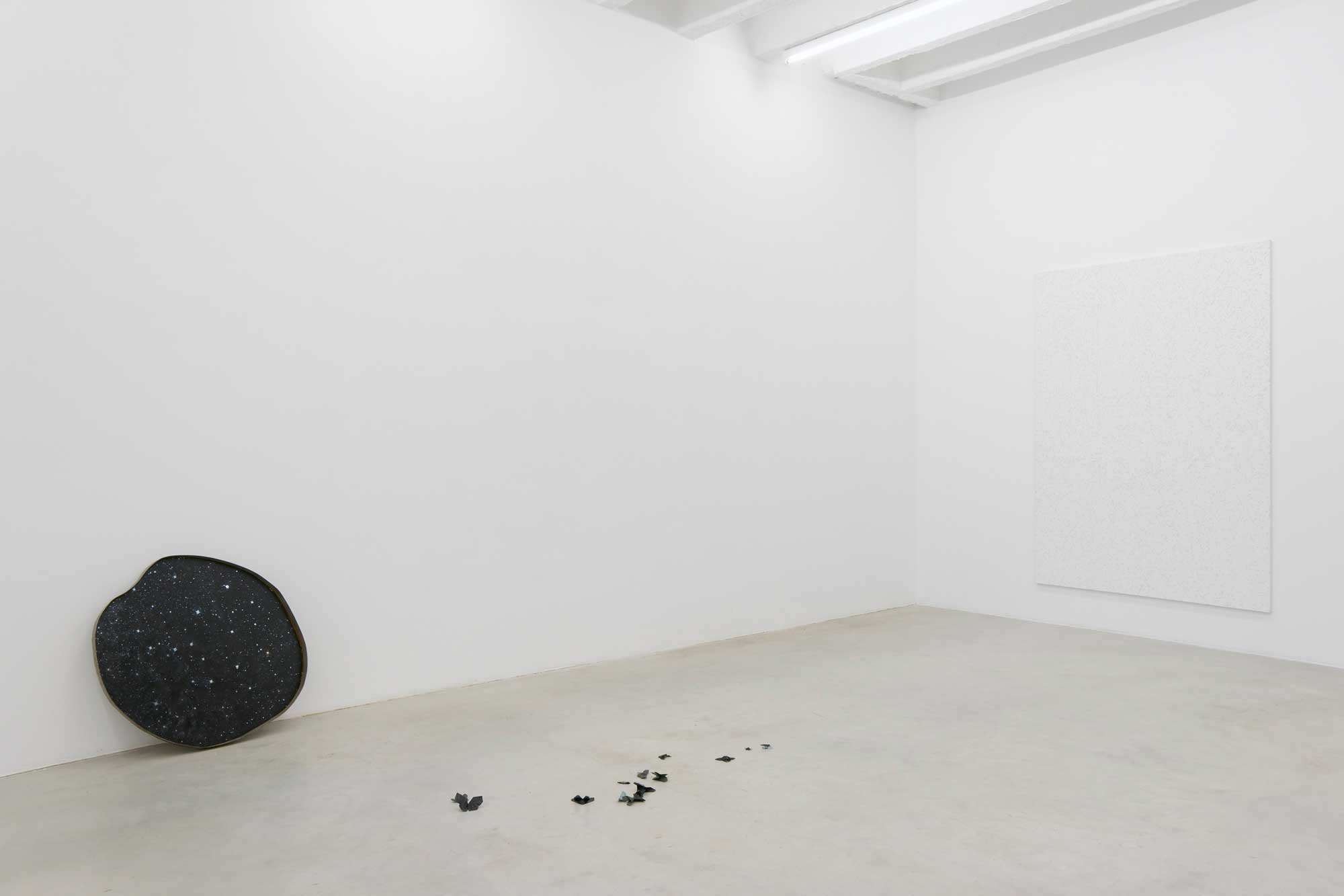 Marzena Nowak, April is the cruellest month, exhibition view, Galerija Gregor Podnar, Berlin, 2015. Photo: Marcus Schneider