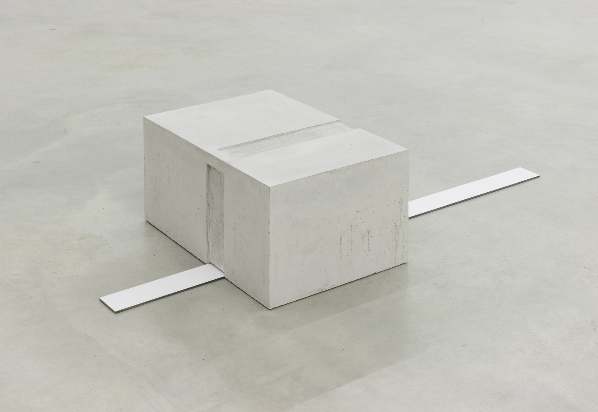 Division Exercise, concrete and painted iron, 30 x 135 x 60 cm, 2015