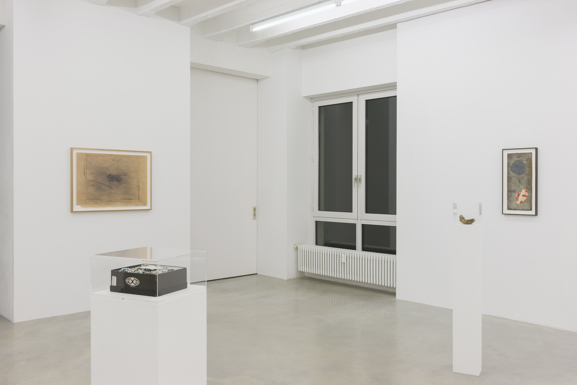 Exhibition view, Galerija Gregor Podnar, Berlin, 2016. Photo: Marcus Schneider