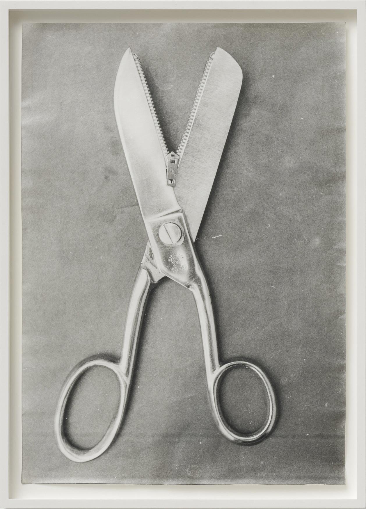 Ferenc Ficzek, Untitled (Scissors), 1977, silver gelatin print on Dokubrom paper, 45,5 x 33 cm. Photo: Marcus Schneider